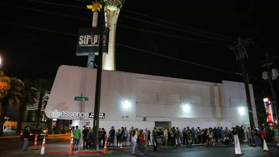 Las Vegas Tourists Lining the Street to Purchase Recreational Marijuana
